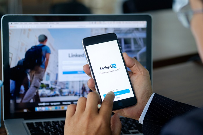 how to look for a job on linkedin